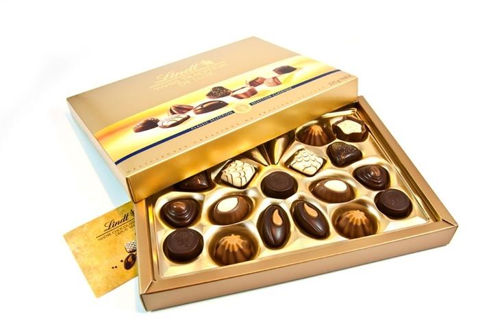 Lindt 'in çikolata ustalarından, dünyanın en iyi çikolatasının tutku ile birleşmiş hali. Birbirinden özel LINDT lezzetleri...çikolata sepeti, çikolatasepeti, chocolate, özel çikolata, sevgili