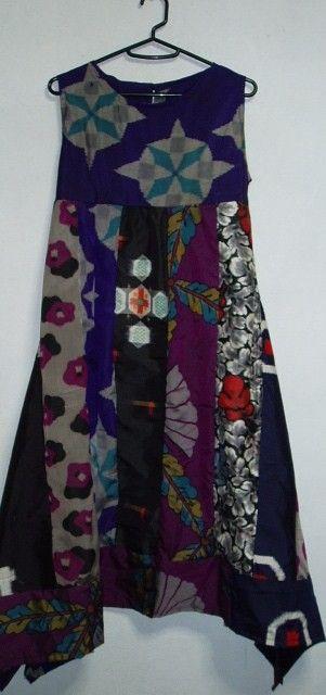 ご覧頂ありがとうございます(*^▽^*)。アンテックの着物から作ってます。 少し落ち着いて色合いの銘仙を色々パッチしたチュニックワンピースです。銘仙の色のバリ...|ハンドメイド、手作り、手仕事品の通販・販売・購入ならCreema。