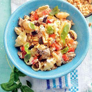 Recept - Schelpjespasta met aubergine - Allerhande Heerlijk, licht, vegetarisch