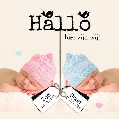 Lief geboortekaartje voor jullie tweeling! Een mooie foto van jullie tweeling en de labeltjes met naam en gegevens op de kaart en klaar is je kaart.  #tweeling #baby #geboorte #jongen #meisje #kaarten #kaartje2go