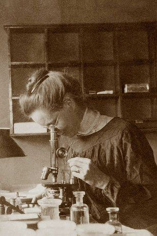 The first women to pursuit their professions