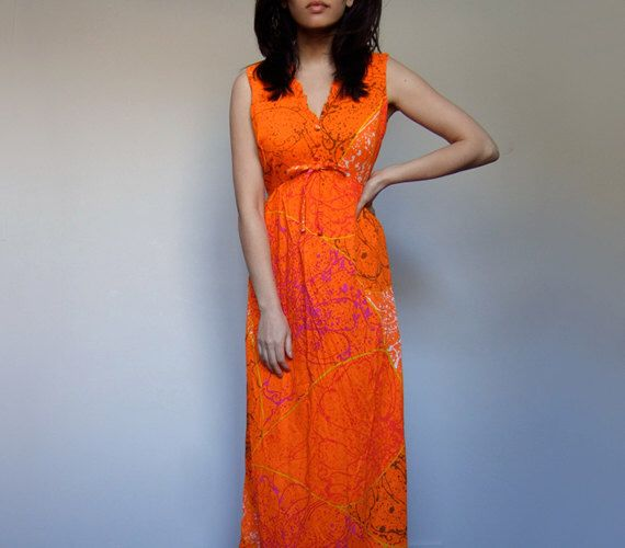 70s Hawai Maxi jurk Neon Oranje verf Splatter patroon mouwloos lange zomer jurk - kleine Medium S M door MidnightFlight op Etsy https://www.etsy.com/nl/listing/224699392/70s-hawai-maxi-jurk-neon-oranje-verf