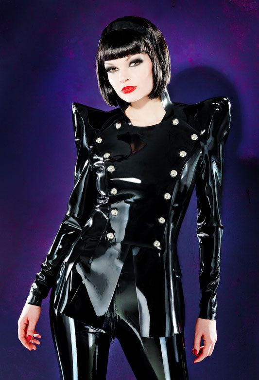 Gothic latex cross dresser plays and cums hard