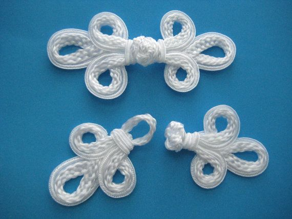 Set of 2 Pairs Loopy Chinese Frog Closure Buttons Knots (white) 5 inch