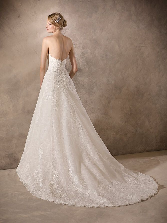 HOWARD, Wedding Dress