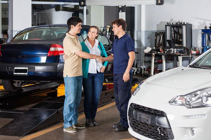 Канадский сервис Autorepairio позволяет владельцам авто найти исключительно добросовестных автомехаников. На его разработку основатель решился после того, как обычная замена масла превратилась для него в дорогостоящий ремонт стоимостью 800 долларов.