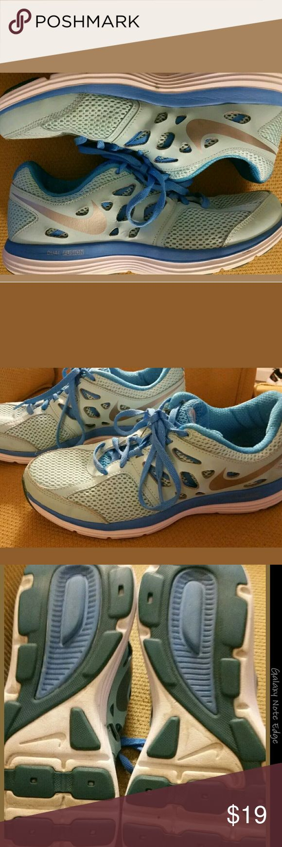 Nike Dual Fusion Lite Running Shoes 599560 Size 9 Women's Nike Dual Fusion Lite Running Shoes Size 9 599560-414 Glacier Blue Ice Nike Shoes Athletic Shoes