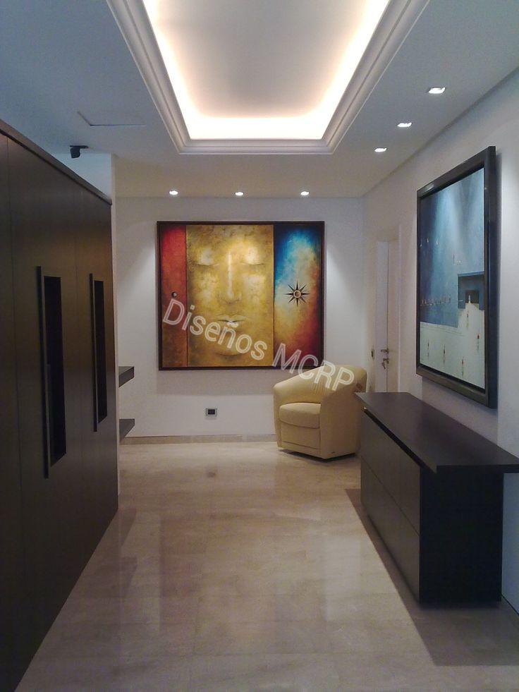Mueble separador y mueble auxiliar de dise o acabado en for Pisos de marmol de carrara