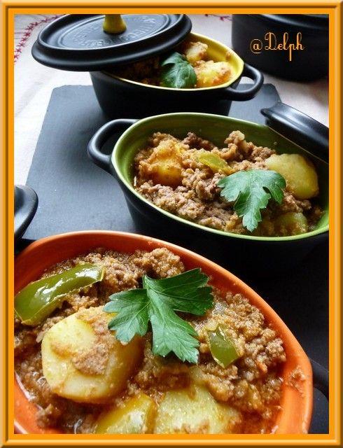 Voilà un petit plat pour mes garçons qui adorent le steack haché et les pommes de terre, une petite recette rapide et simple au thermomix, mais vous pouvez l'adapter très facilement dans une cocotte.... Ingrédients: 2 tomates 650g de pommes de terre Variété...