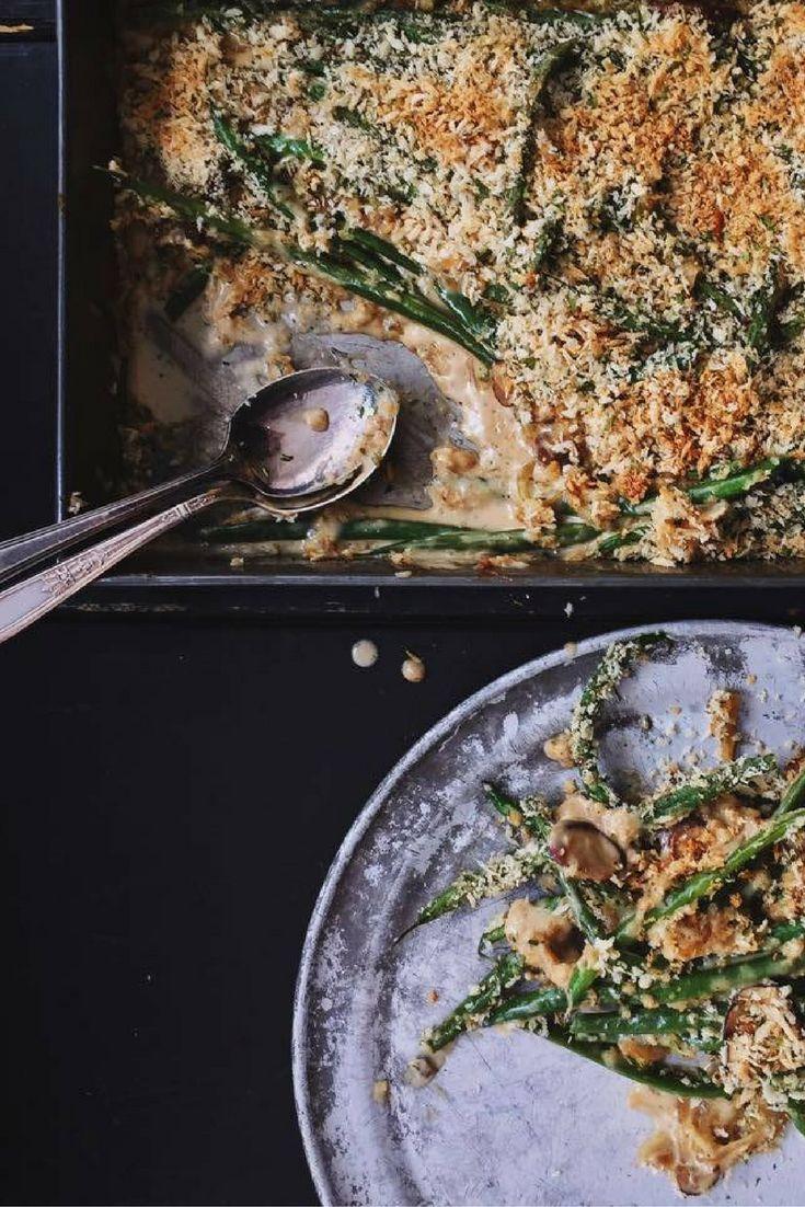 Casserole d'haricots verts crémeux avec pois chiches, tomate et chapelure. www.chefcookit.com