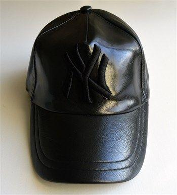 Ny cap New York Yankees erkek siyah deri şapka modellerini en ucuz fiyatlarıyla kapıda ödeme ve taksit ile Outlet Çarşım'dan satın al.