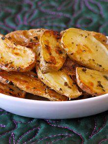 Herb Garlic Roast Potatoes just potatoes, olive oil, herbs & garlic powder...
