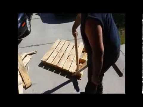 #Disassembly, #DismantlePallet, #Dismantling, #Diy, #Tool The Pallet Pal by Izzy Swan is one of the easiest ways (among others) to dismantle pallets with very little damage to the wood. Simple to use and you can build it, no expensive hammers or pry bars needed. A homemade tool for disassembling Pallet