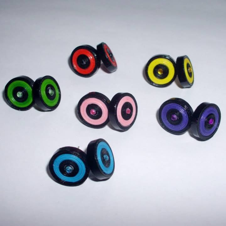 Sweet earrings made with quilling technique! :D