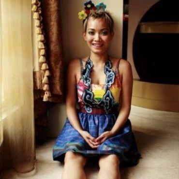 Indonesian Fashion Designer Lenny Agustin #textiles #fashion
