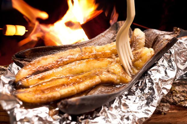 If you're tired of s'mores and are into cinnamon and bananas, try this recipe for bananas Foster, optimized for the campfire.