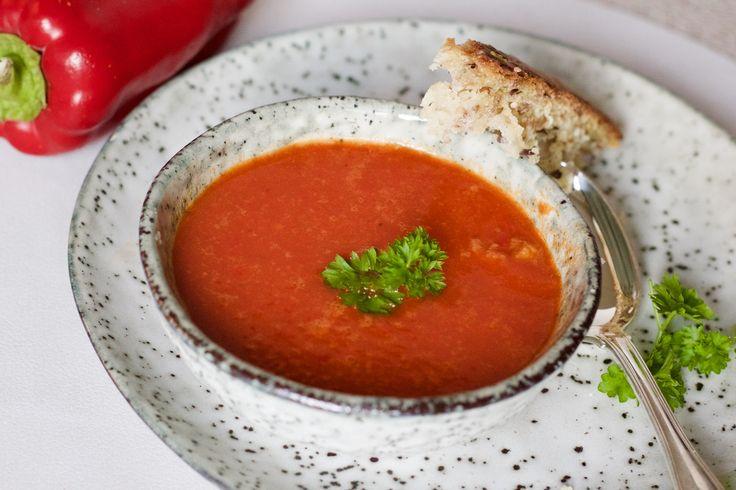 Varm peberfrugtsuppe med chili
