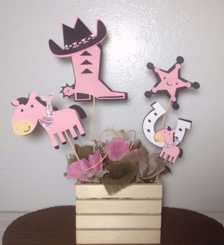 Cowgirl Centerpieces stick/pink and Brown Cowgirl/ Western centerpieces stick #CreationsCuadraHauck #BirthdayChild