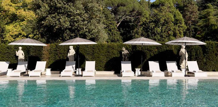 Villa Cora Firenze - loungers Helios by Manutti, Pool, hotel, Italy, holiday, outdoor furniture.