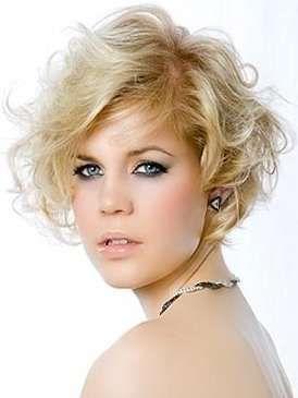 los rizos cortos siempre estn de modale dan un toque muy femenino y sensual a la mujer suavizando sus rasgos los cortes de pelo corto p