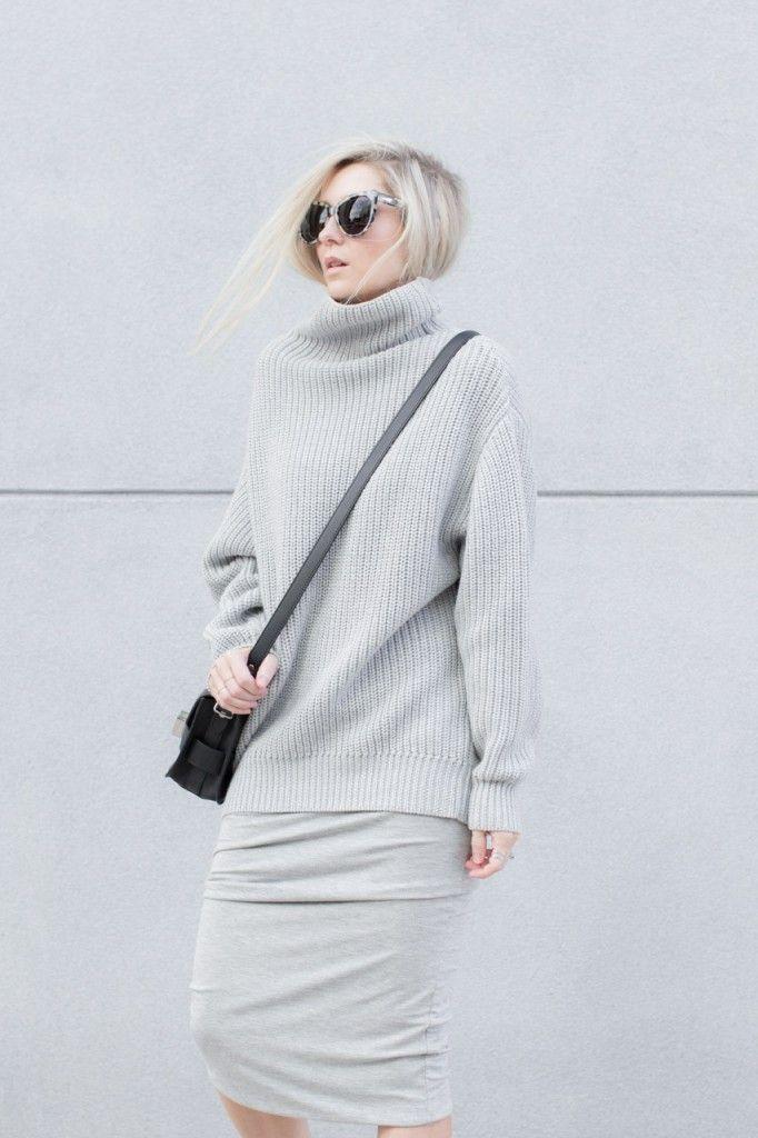 Aritzia Wilfred Montpellier Sweater (similar here)   BC Label Reversible Hunter Skirt (similar here)   PROENZA SCHOULER PS11 TINY BAG BLACK