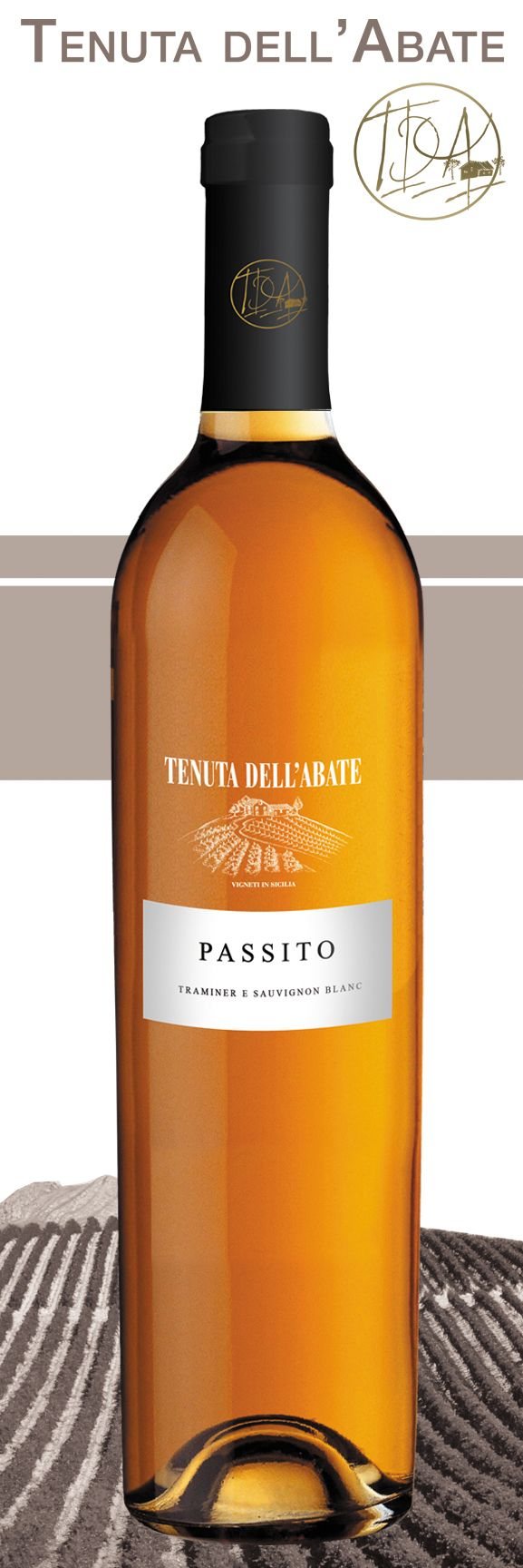Raisin - Traminer / Sauvignon Blanc  Yellow color with golden hues. The nose can be seen hints of pear and other fruit and lingering aftertaste with saline. Bottle of 50 cl.  Type of wine: White I.G.P. Sicily Joint production: Caltanissetta  Variety: Traminer / Sauvignon Blanc Bottle: 50 cl  Alcohol content: 11% vol. +393450632153 CALL U.S. TO BUY