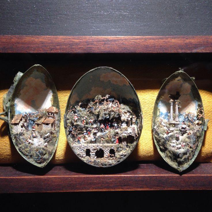 Presepe settecentesco nel guscio di un uovo (Certosa di San Martino, Napoli) // 18th century nativity scene (aka manger scene or crib) set in a eggshell (San Martino charter house, Naples, IT)