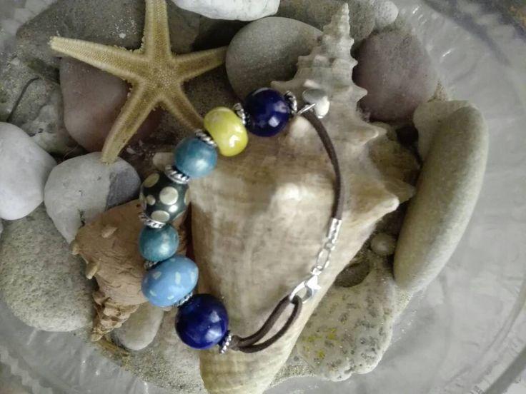 braccialetto blu perle, ceramica,  fatto a mano, acciaio, argento, chiusura moschettone, per l'estate, verde, novità di AreCeramica su Etsy