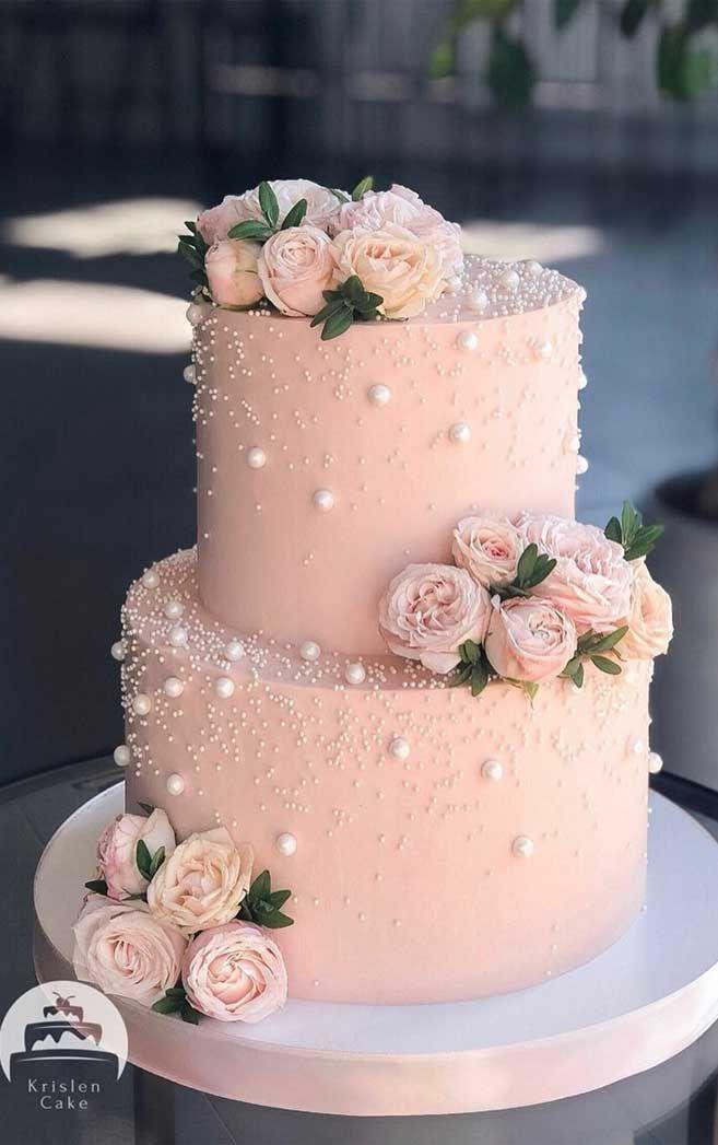 Schöne zweistufige rosa Hochzeitstorte mit Perlendetails   – Baby shower