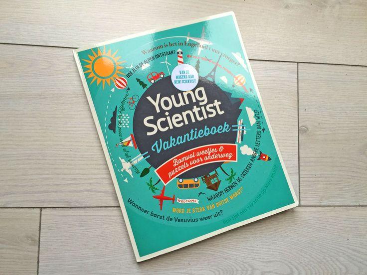 Het Young Scientist Vakantieboek ziet er aantrekkelijk uit van buiten.
