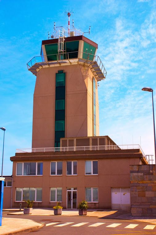 The tower at La Coruña airport (formerly known as Alvedro Airport) serves the Galician city of A Coruña in north-western Spain.  #aviation   #NATS365   #Spain #airport   #Alvedro #avgeek   #avgeekphoto #avgeekphotography #aviationnerd   #aviationphotography    #aviationtower #ATC   #ATCO   #ferroNATS