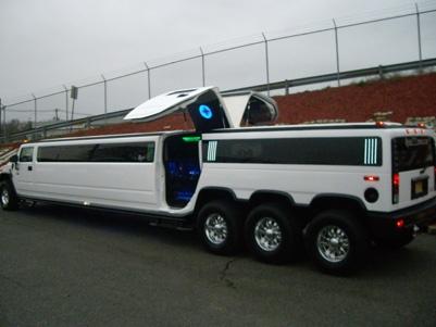 30 Passenger Hummer H2 Triple Axle Limo With Lamborghini