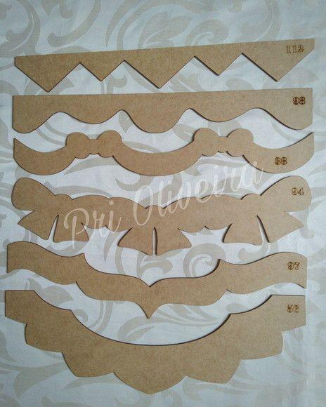 Kit com 6 réguas    Reguas em mdf com varios modelos usadas para barradinho de pano de copa, em patch aplique e pintura em tecido, pode ser usada em outras peças, como tapete emborrachado, toalha de banho, entre outros, é só riscar contornando o molde e pintar ou costurar    As reguas sao cortada...