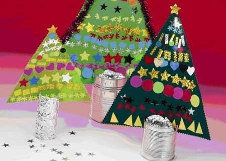Foiled toilet roll Christmas trees. leuk voor menu school kerstdiner.