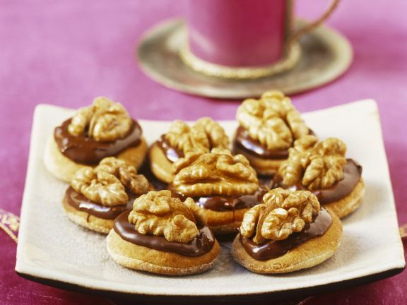 Schoko-Nuss-Kekse auf marokkanische Art ist ein Rezept mit frischen Zutaten aus der Kategorie Plätzchen. Probieren Sie dieses und weitere Rezepte von EAT SMARTER!