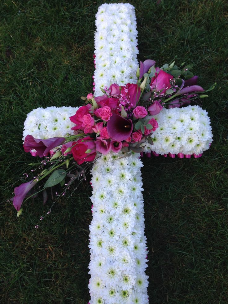 Cross wreath @bishopandpolden