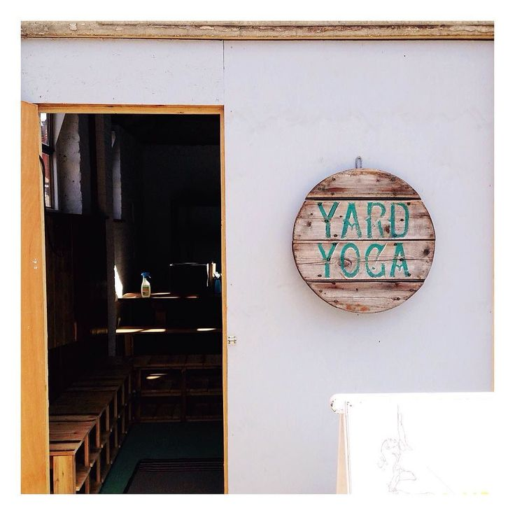 Spent the loveliest morning delivering air plants to the divine Yard Yoga studio in Forest Row East Sussex and catching up with a wonderful old friend. Managed to attend a pregnancy yoga class by @yard_yoga_girl whilst I was there - felt like the first deep breaths I've taken in ages! It's an incredible space full of light natural and reclaimed materials and inspiring creative touches - they're also about to open a vegan cafe & juice bar in May - and I'm really looking forward to seeing the…