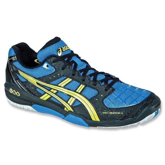 The Asics Gel Blade 4 squash shoes, the next generation of a very popular  line of Asics court shoes.