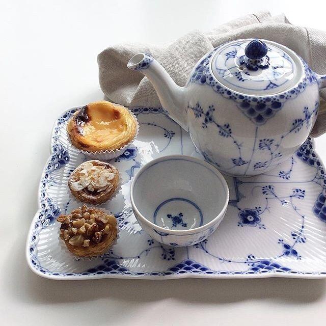 A small tea party for one @birgitte_begoeje #RoyalCopenhagen #BlueFlutedHalfLace