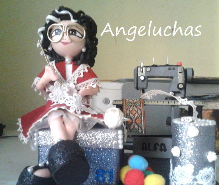 スペインにおしゃれ人形はフォフチャスと言います。アンヘルチャスブランド職業の人形。