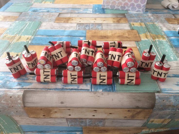 Mini TNT bommen , voor een explosieve traktatie !