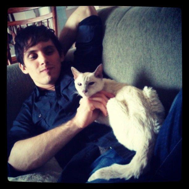 Matt and a kitty. So cute!!