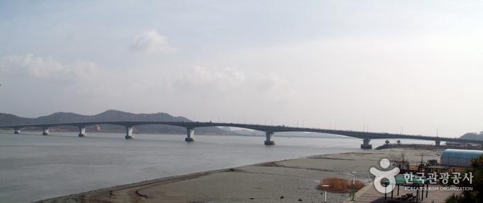 Ganghwado Island (강화...  maybe if on an arranged trip.  good for ginseng.