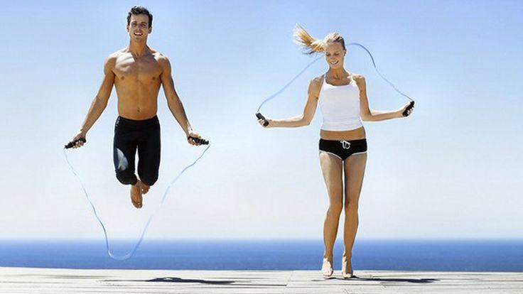 Пожалуй, нет лучшего способа похудеть, чем упражнения со скакалкой. Это настоящая находка, так как во время прыжков тренируются не только аэробные, но и ...