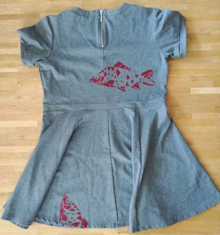Loni Kreativwerkstatt / Kleid mit Fischen.  #print  #upcycling  #refashion