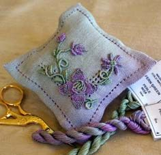 Casalguidi Pin cushion