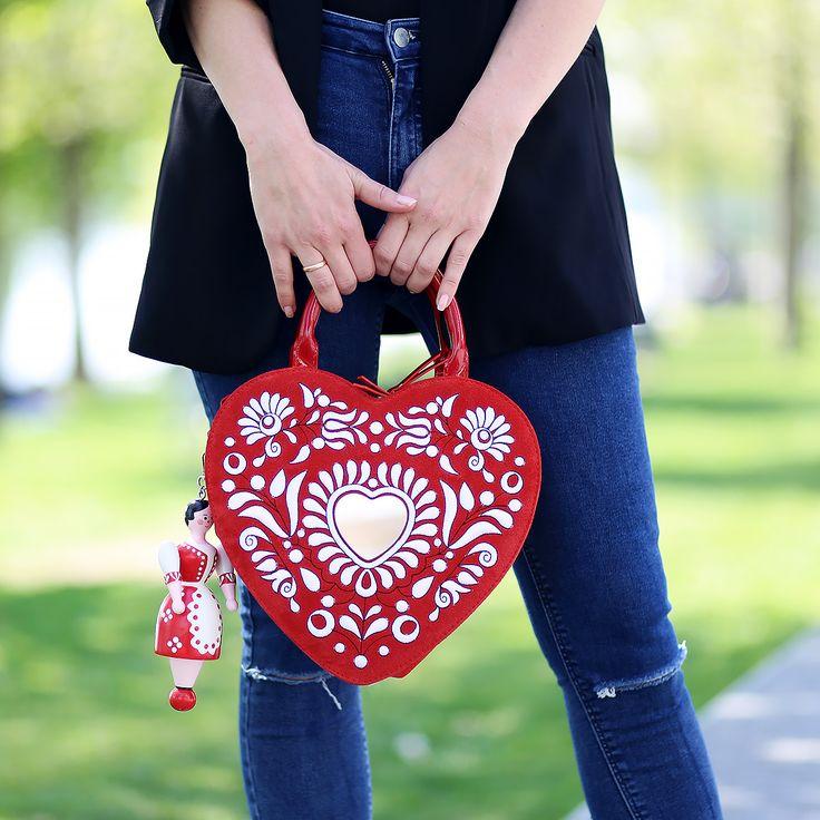 #luxury #handbag #petratoth #fashion #folklore #slavic