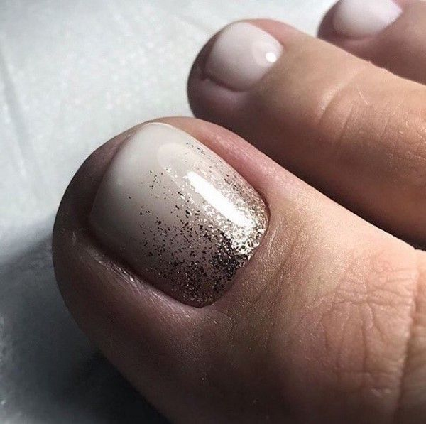We Decorate The Legs With Beautiful And Stylish Pedicures New