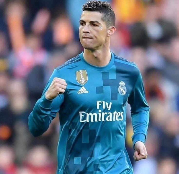 Valencia 1-Real Madrid 4 Cristiano Ronaldo afina su puntería ante el Valencia El doblete del quíntuple Balón de Oro le coloca ya con 20 goles esta temporada (9 en Champions, 8 en Liga, 2 en el Mundial de Clubes y 1 en la Supercopa de España), con un total de 426 en 420 partidos de blanco. Su revólver vuelve a estar afinado. Justo a tiempo. ¡¡¡Hala Madrid y nada más!!!