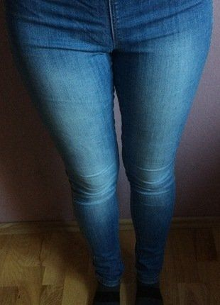 Kup mój przedmiot na #vintedpl http://www.vinted.pl/damska-odziez/rurki/17590088-tregginsy-na-gumce-rozmiar-36-z-hm